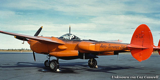 P-38 LIGHTNING/44-27205